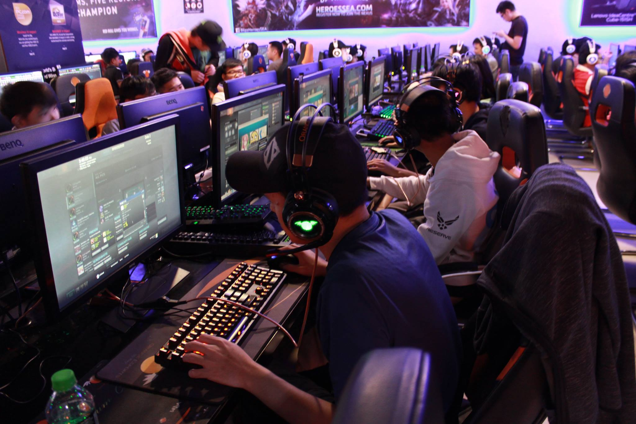 how much does it cost to open a cyber cafe in malaysia